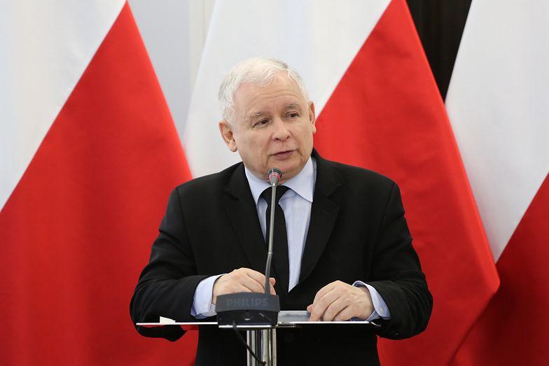 Kaczyński zablokował film o Smoleńsku w TVP. Miał wiele zastrzeżeń