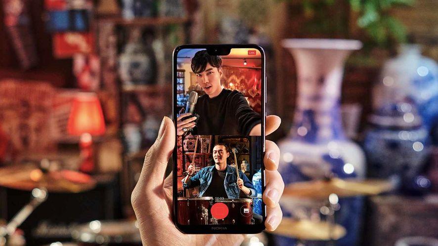 Nokia X6 pokazana: pierwszy smartfon z wycięciem w ofercie producenta