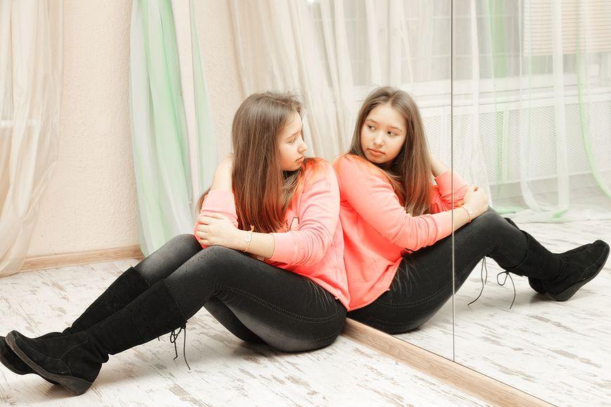 Nastolatki mają problemy z samoakceptacją