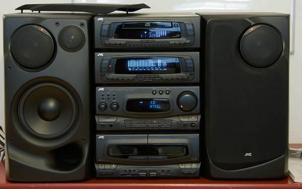 JVC MX-G9 z obracanymi głośnikami przestrzennymi.
