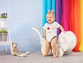 W trosce o komfort najmłodszych – od 25 maja ubranka dla dzieci w Biedronce