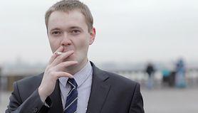 Jeden papieros dziennie zwiększa ryzyko chorób serca o 50 proc. (WIDEO)
