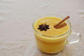 Złote mleko – właściwości, zastosowanie i przepis