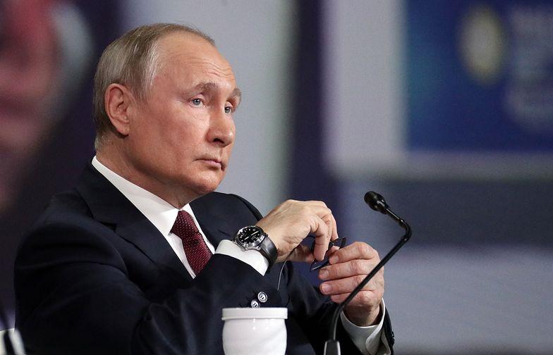 Putin zachęca do turystki szczepionkowej. Zaprasza do Rosji