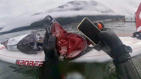 iPhone 11 przetrwał pół roku na dnie jeziora. To się nazywa wodoodporność