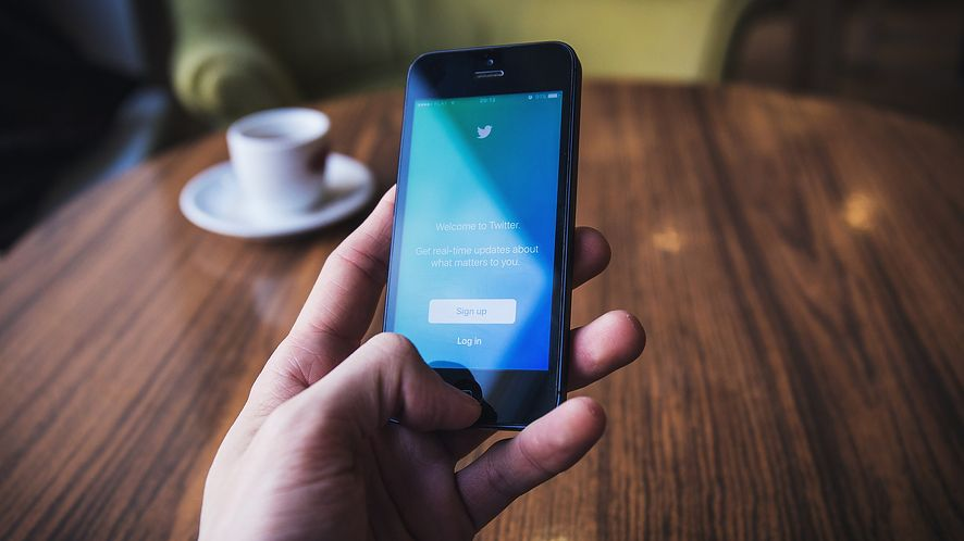 Twitter na iOS-a ponownie pokazuje, czy w Apple Music używają smartfonów z Androidem