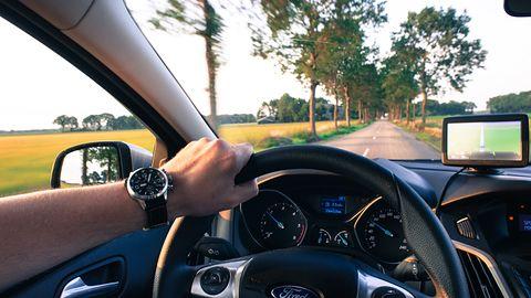 NAVITEL E505 Magnetic – nowa nawigacja GPS z Linuksem za niecałe 300 złotych