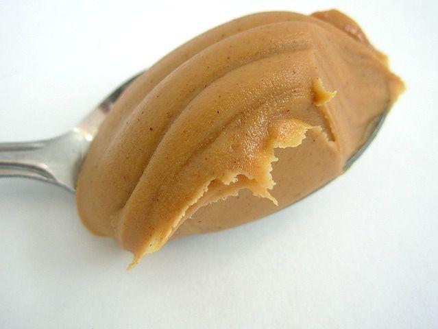 Masło orzechowe może zawierać sierść gryzoni i odłamki owadów