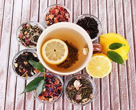 Jaką herbatę pić w ciąży? Sprawdź, jakie gatunki możesz pić bez obaw, a których lepiej unikać