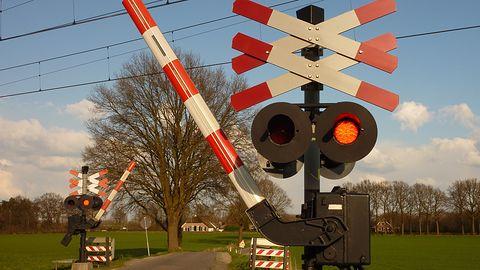 Mapy Google ostrzegają już o przejazdach kolejowych – przynajmniej w USA
