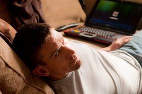 Jak poradzić sobie, gdy rywalka ze szklanego ekranu wchodzi do twojej sypialni
