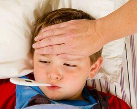 Zobacz, jak radzić sobie ze spadkiem odporności u dziecka w okresie zimowym