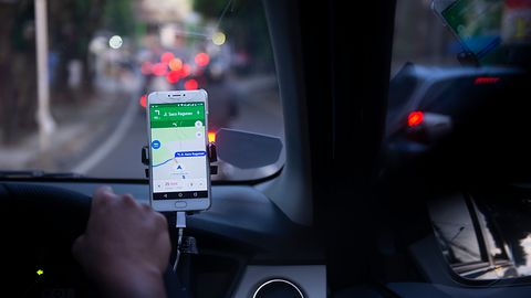 Android Auto: nowy interfejs z ciemnym motywem dostępny u pierwszych użytkowników