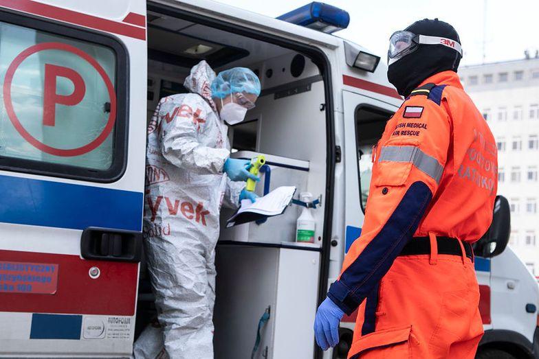 Raport ws. koronawirusa. Alarmująca liczba zgonów