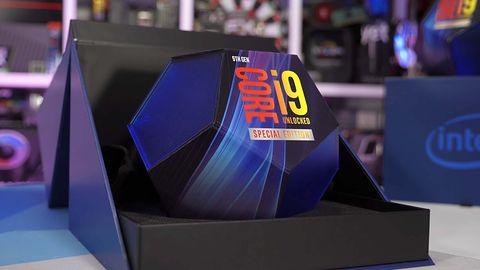 Intel Core i9-10900K delikatnie wygrywa z AMD Ryzenem 9 3900X. Ale jakim kosztem