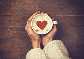 Kołatanie serca. Kiedy jest objawem choroby, a kiedy efektem wypicia zbyt dużej ilości kawy?