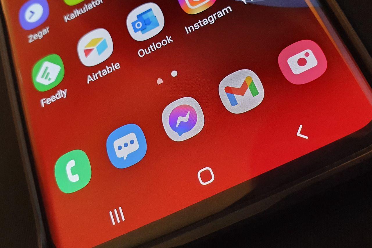Google Sklep Play: lista 151 szkodliwych aplikacji. Usuń je z telefonu - Smartfon z Androidem