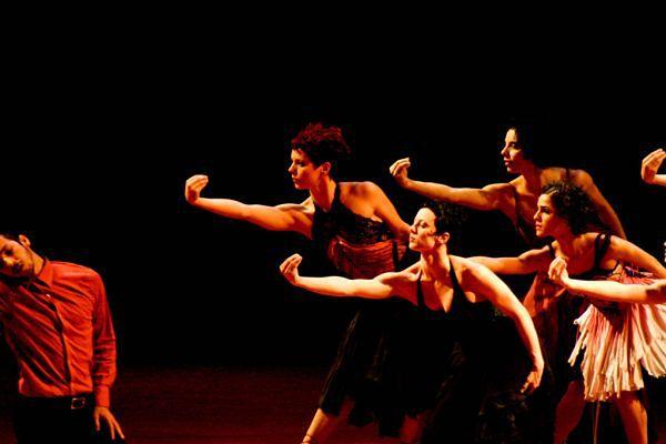 Taniec współczesny - teatr tańca współczesnego