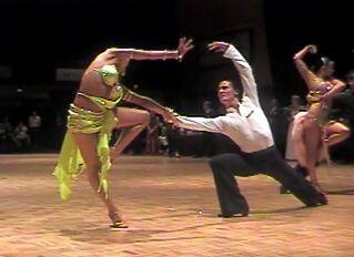 Para tańcząca rumbę