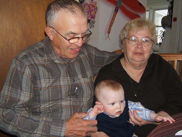 Dziecko z dziadkami