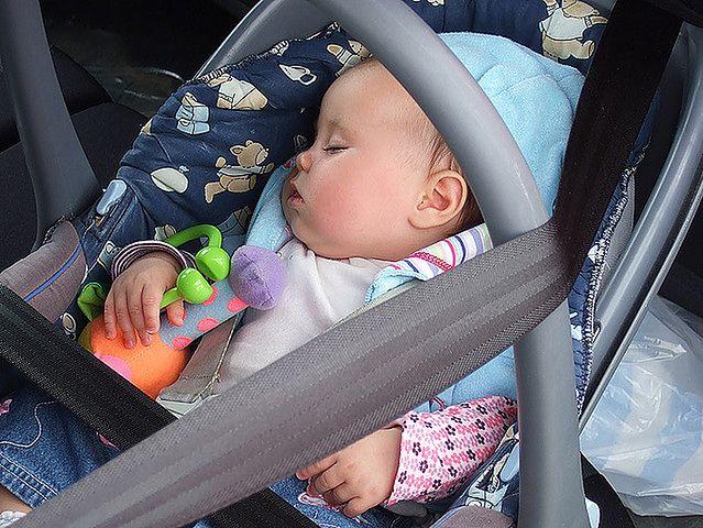 Po narodzinach dziecka rodzice mogą skorzystać z różnych form pomocy