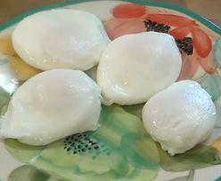 Jak ugotować jajko poche? Jeden składnik i zawsze się udaje