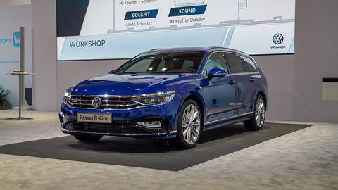 Odświeżony Volkswagen Passat: lepszy Apple CarPlay, eSIM i namiastka autonomiczności