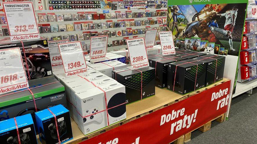 Xbox Series X i Xbox Series S na półkach jednego z elektromarketów