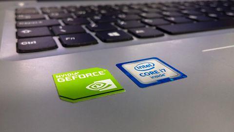Apple Mac i Intel. O tym jak brak naklejki może definiować ekskluzywność komputera