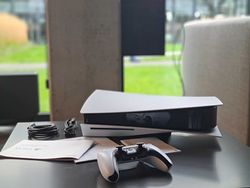 PlayStation 5 idzie jak woda. Braki w sklepach nie przeszkadzają
