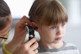 Woda w uchu – przyczyny, objawy, leczenie