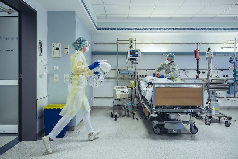 WHO: Dzienna liczba zgonów w powodu COVID-19 wzrosła o 40 proc.