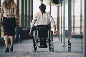 Zasiłek pielęgnacyjny - komu przysługuje, na jakich warunkach, ile wynosi?