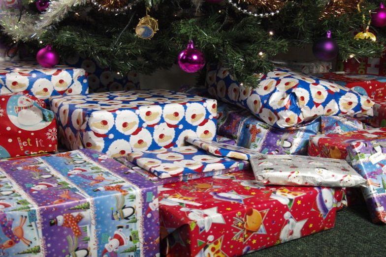 Przez cały rok odkładali na prezenty. Złodzieje ukradli im je jednego dnia