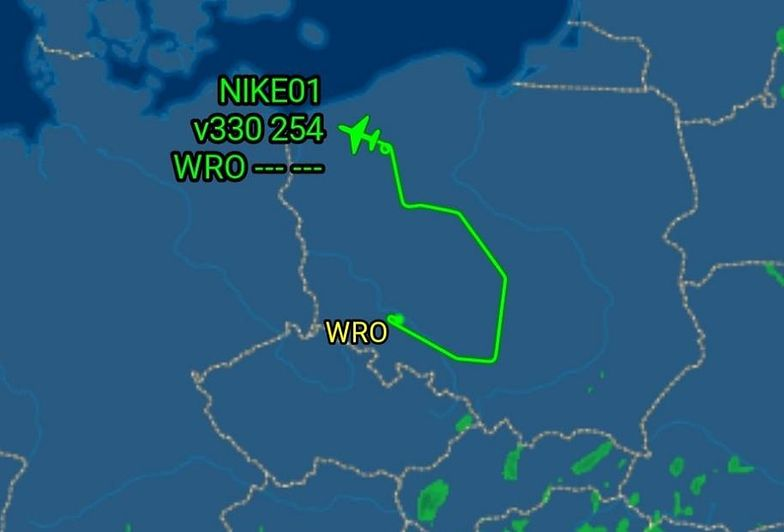 Myśleli, że samolot z Wrocławia został porwany. MON wyjaśnia