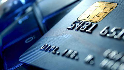 mBank oszalał? Zachęca do publikacji zdjęć kart płatniczych w sieci