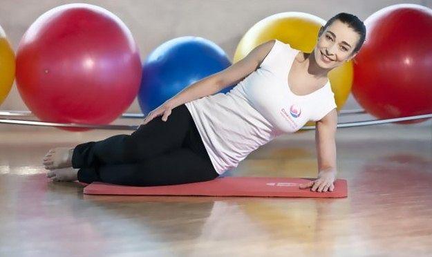 Napinanie mięśni Kegla w pozycji leżącej