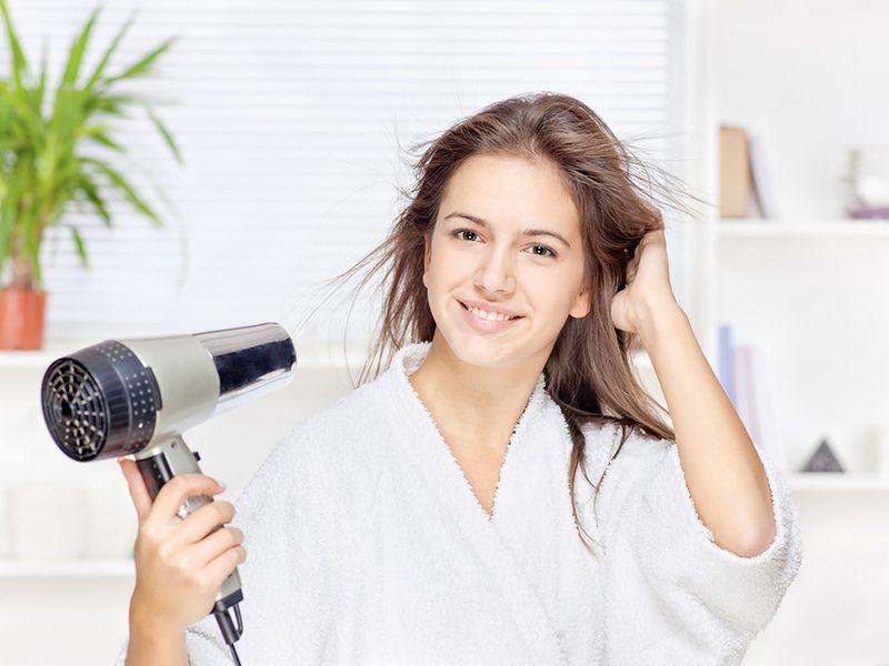 Suszenie włosów bezpośrednio po myciu