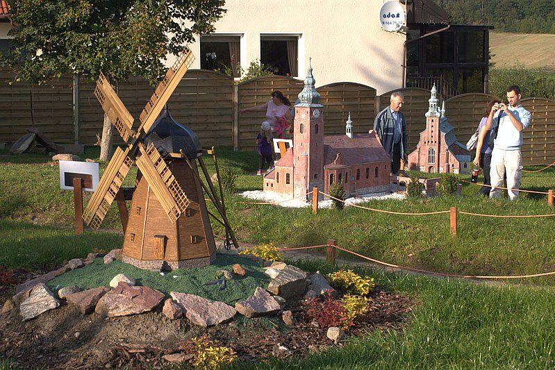 Park Miniatur Chocielewko Zielony Dwór