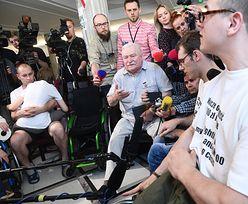Zaskakująca prośba niepełnosprawnych do Lecha Wałęsy. Wymijająca reakcja b. prezydenta