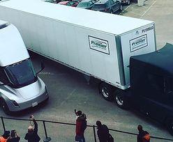 Ciężarówki Tesli wyruszają w pierwszą podróż. Przejadą ponad 400km!