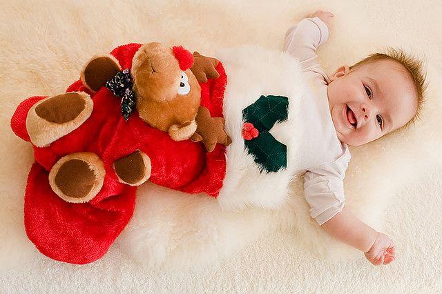 Świąteczny strój niemowlaka