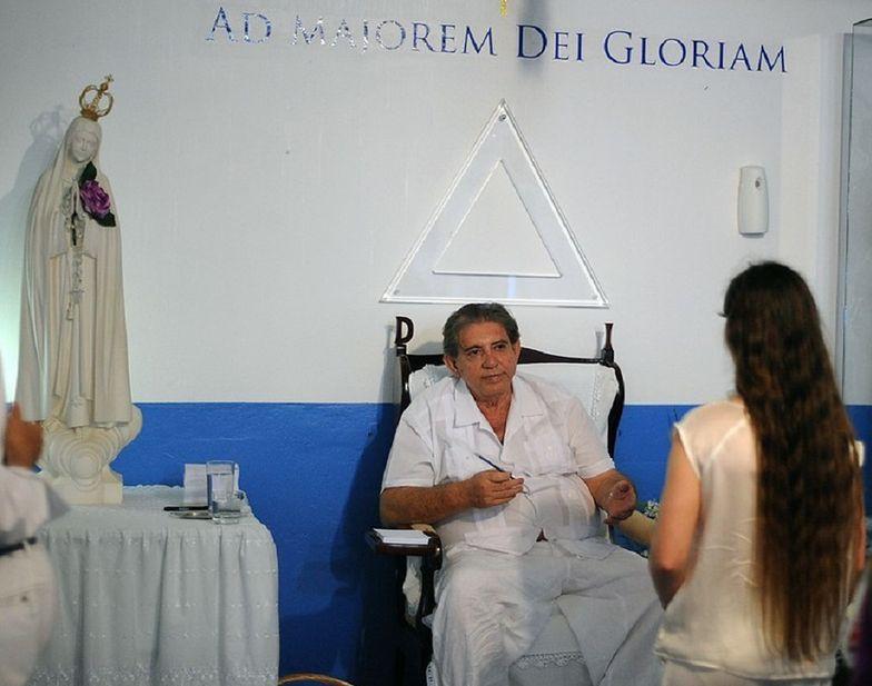 """""""Duchowy uzdrowiciel"""" z Brazylii ma zostać aresztowany. Oskarżenia ponad 250 kobiet"""
