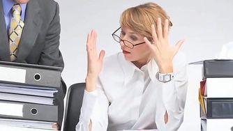 Rola stresu w łysieniu plackowatym (WIDEO)
