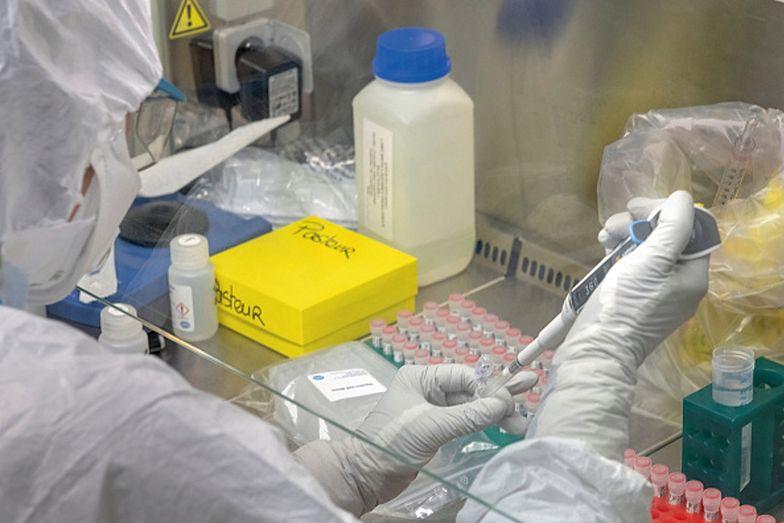 Naukowiec twierdzi, że szczepionka na koronawirusa może pojawić się później, niż zapowiadają naukowcy
