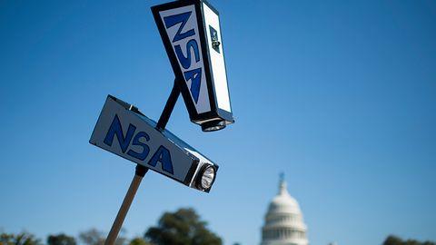 NSA: szpiegowanie telefonów było nielegalne i drogie. Nie powstrzymało też ani jednego ataku