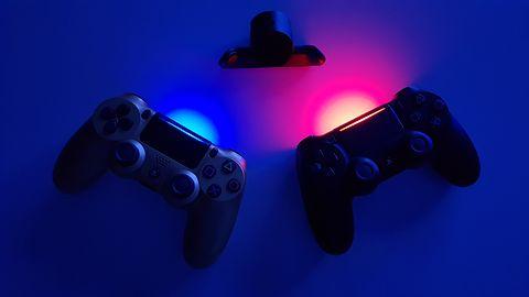 PlayStation 4 i intrygujący gadżet do pada. Sprawdziłem nową przystawkę do DualShock 4