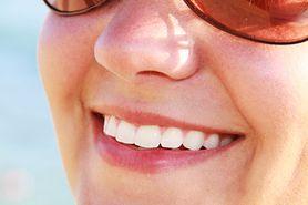 Przekonaj się, jakie produkty jeść, aby mieć białe zęby i piękny uśmiech