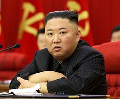 """Korea Północna. Zobaczyli Kima i się załamali. Ludziom """"napłynęły łzy"""""""