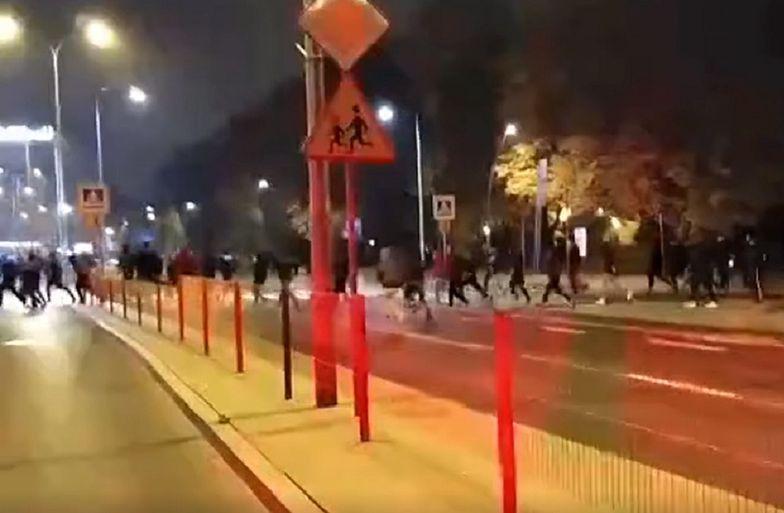 Białystok. Atak na uczestników Strajku Kobiet. Młodzież Wszechpolska nie kryje radości